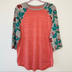 BDG pink t shirt with floral 3/4 sleeves XL